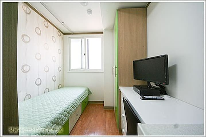Gangnam Guest House / Private Room(2.4)