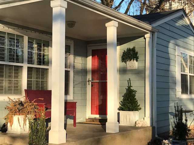 Campus area Cozy Cottage, 3 BR, 1 Bath, Kitchen - Lawrence - Casa