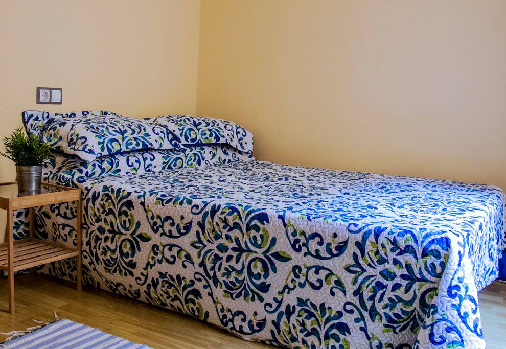 Bed size 135x190 cm