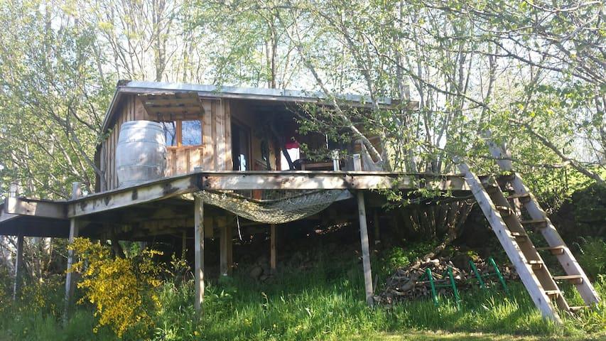 Cabazen cabane et garde d'enfants - saint ours les roches  - Cabaña