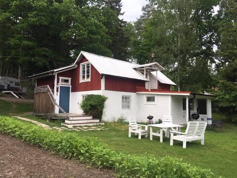"Swedish cottage ""Yogahuset"" near Göta kanal"