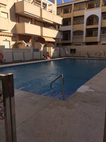 Bonita casa con piscina a 200m de playa
