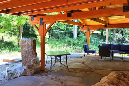 The Candler House Getaway (10 min. from Asheville) - Candler - Talo