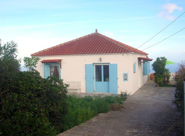 Kefalas nr Almyrida detached sea view cottage
