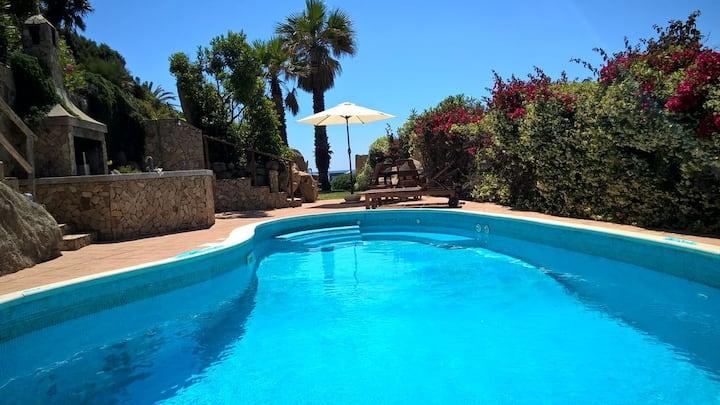 Villa pool ON THE BEACH, SARDINIA