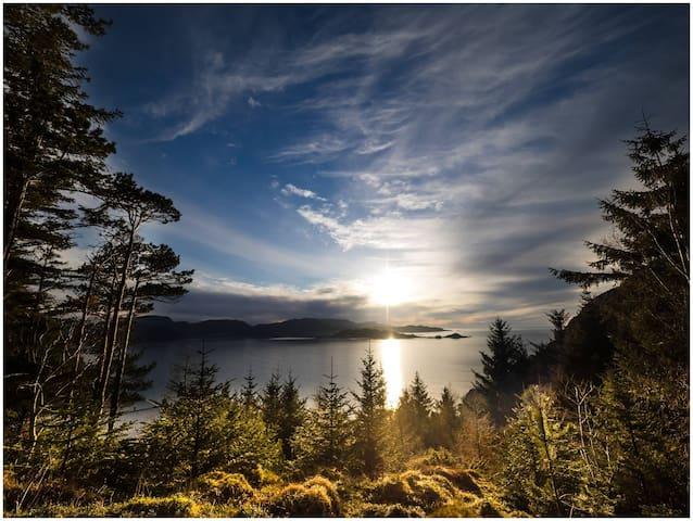 Experience Nordfjord,Nesjane Gard on isle Barmen