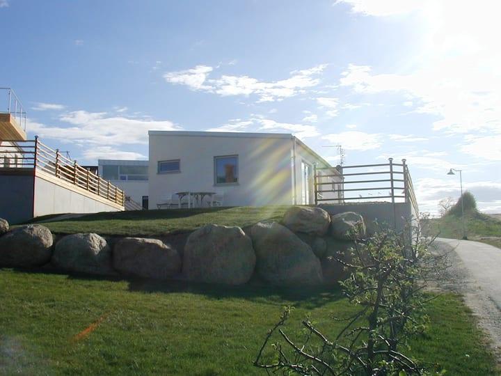 Modernt hus i Vik - nära hav, skog och golfbana