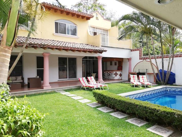 Casa bellisima Cuernavaca ideal disfrutar en famil
