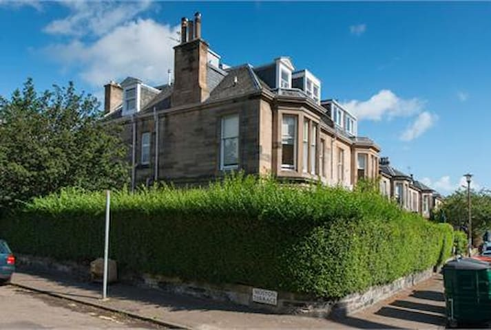 Central two bedroom Victorian flat - Edinburgh - Apartment
