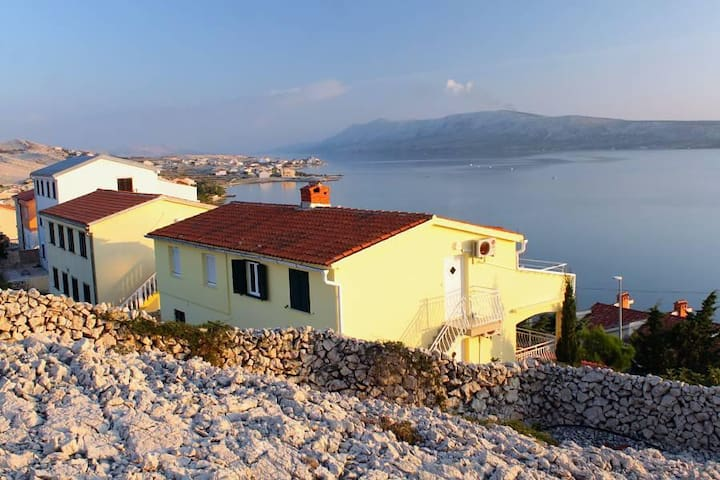 Two bedroom apartment with terrace and sea view Vidalići, Pag (A-9393-b) - Vidalići - Wohnung