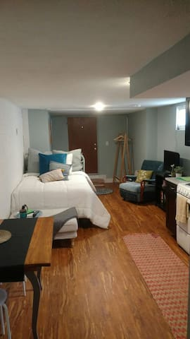 Private Entrance - Studio - 2 Blocks to Light Rail - Denver - Huoneisto