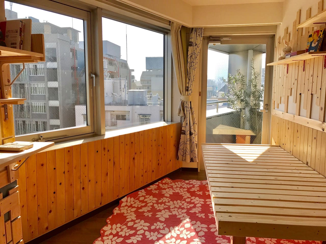 PRIVATE ROOM ... Maximum 2 people  Wooden floor   FAST WIFI  A/C  HEATER      Toilet and Bathroom are sharing