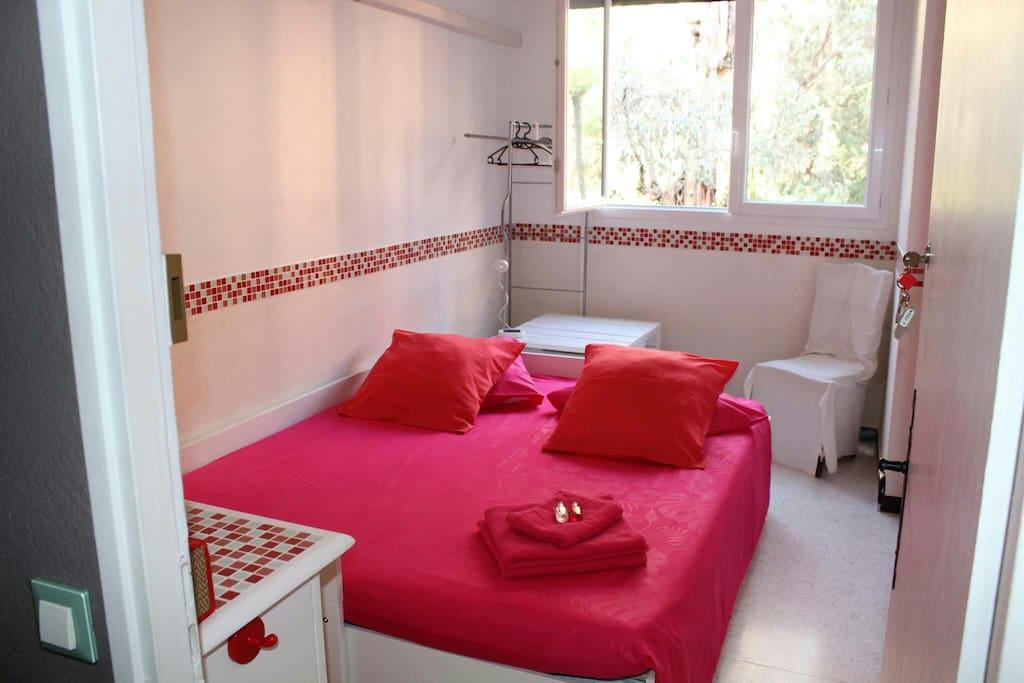 2 chambres individuelles dans aptm t5 la valette appartamenti in affitto a la valette du var. Black Bedroom Furniture Sets. Home Design Ideas