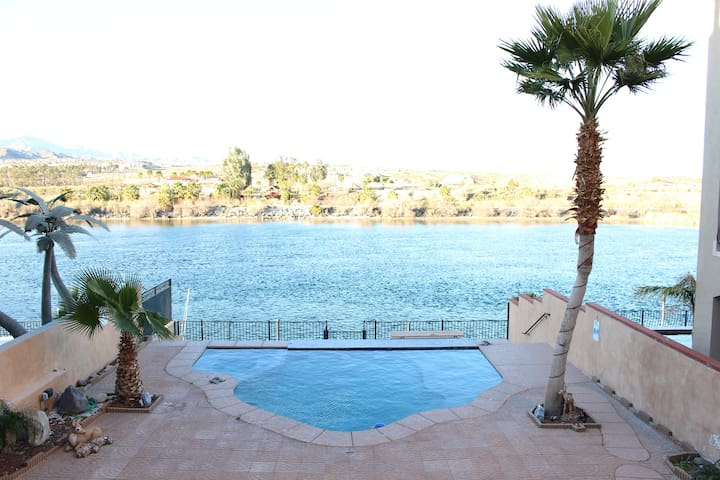 Riverfront Pool/Spa Sleeps 8 - Bullhead City - Ev