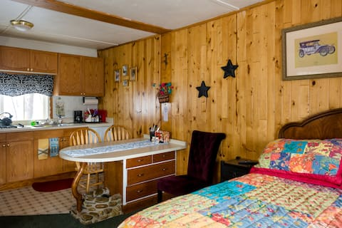 Cabin #2 in the Heart of Grand Lake w/HOT TUB!