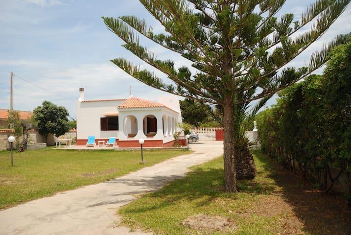 Villa sul mare costa dell Ambra.10min.  Marzamemi