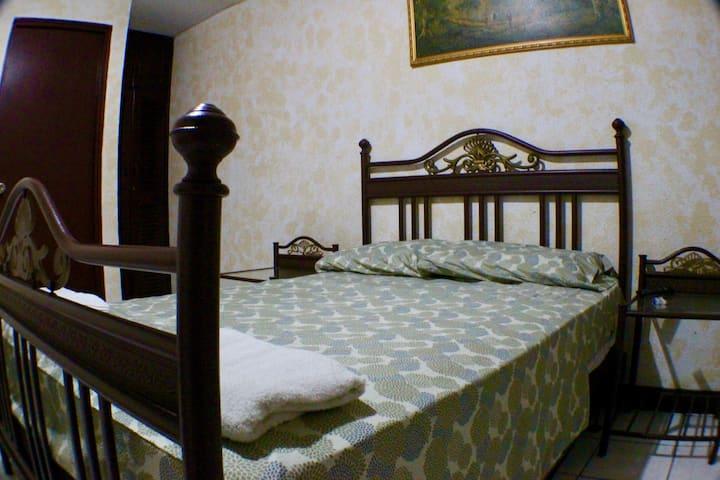 Maria Del Mar | Room 12