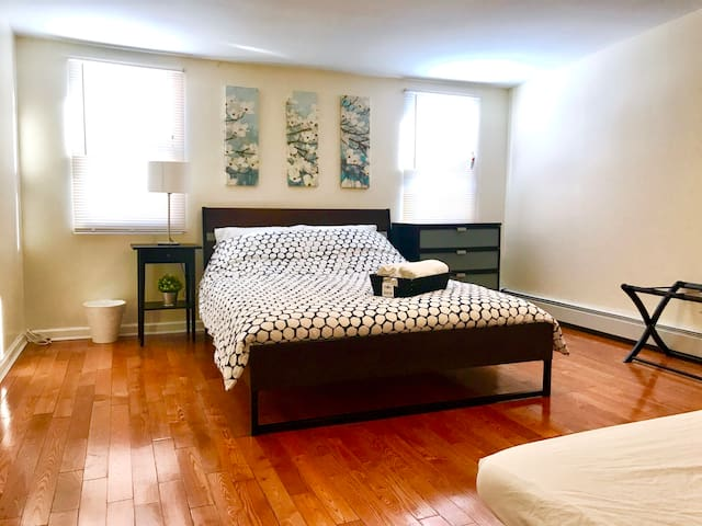 New Beautiful 3 Bedroom Modern Apt Mins To Nyc Apartments For Rent In Long Island City New