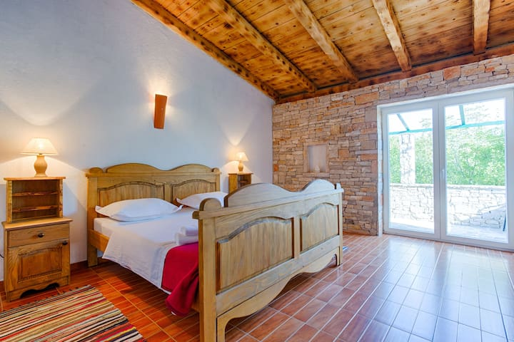 Rooms Nono Ban - Gornji Humac - Bed & Breakfast