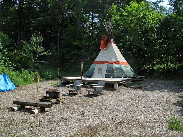 Cozy Tipi Retreat at Nwyfre Farm