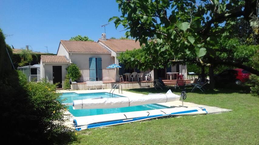 La Plus Belle Villa avec Piscine dans la Garrigue