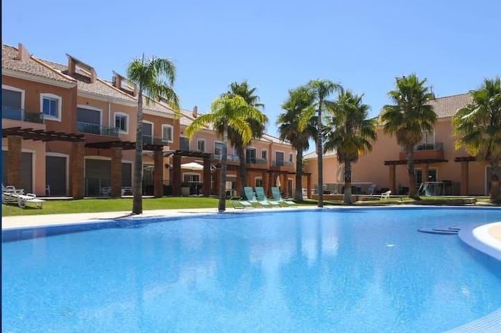 Jardins do Vale de Santa Maria – Moradia T2-X - Albufeira - Villa