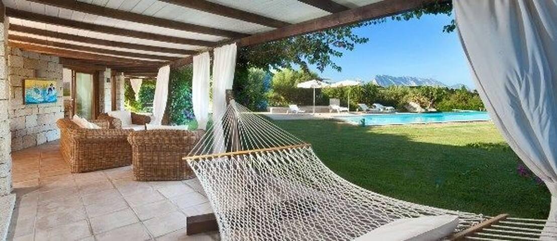 Lussuosa villa vista mare e piscina - San Teodoro - Villa