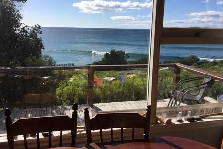 Ocean Front Cottage Falmouth - East Coast Tasmania