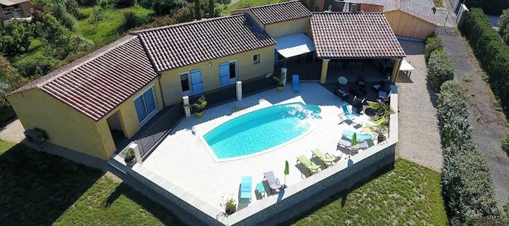 Villa La Provence climatisée avec piscine chauffée