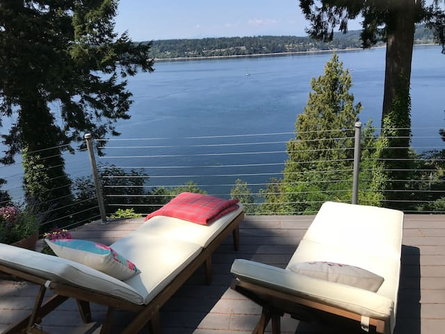 Stunning Vashon Home with View