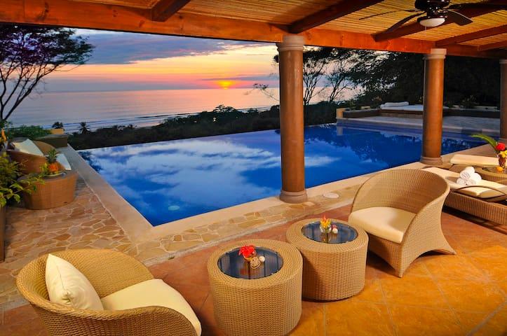 Villa Pacifica, Dominical 6 Bedroom Estate!