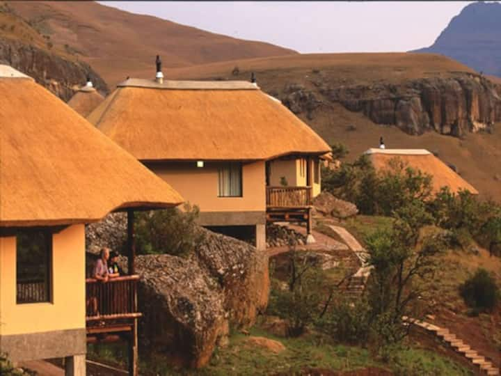 Drakensberg Mountain View Cottage 42 (wth Brkfst)