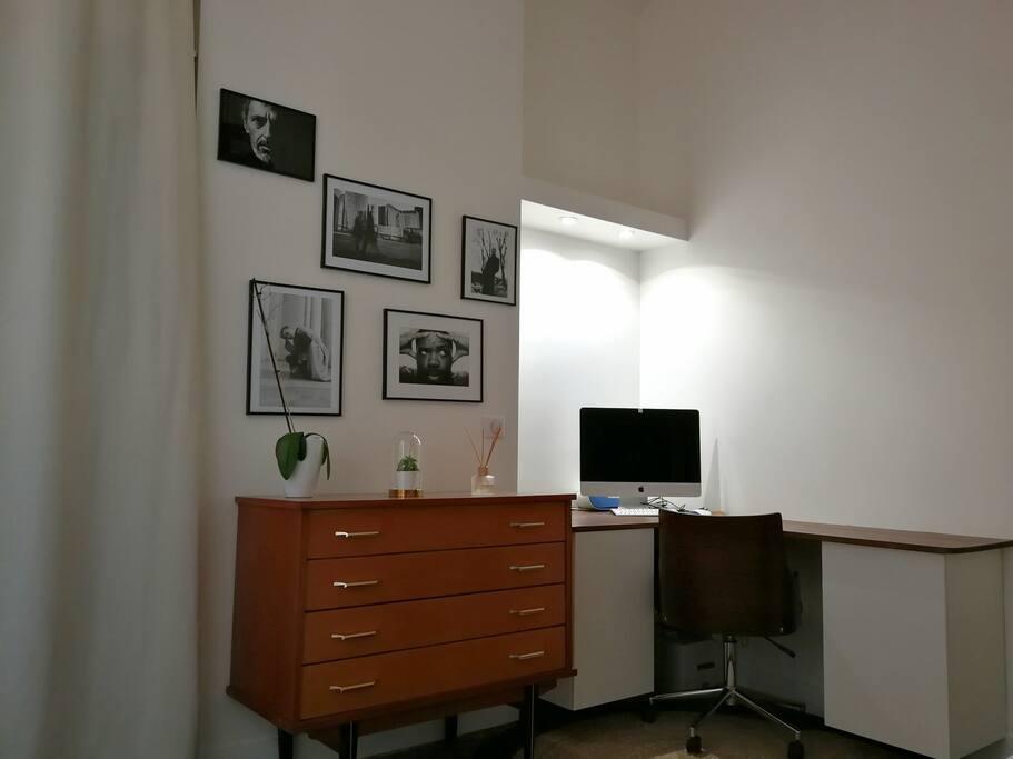 Espace bureau dans chambre