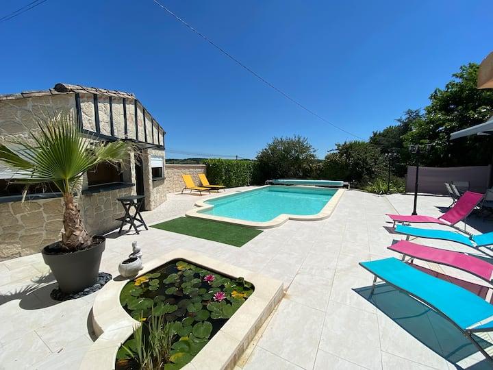Maison individuelle avec piscine à la campagne