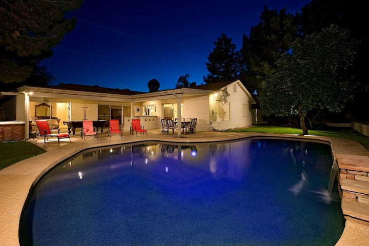 Premier Kierland Home with Htd Pool and Hot tub!