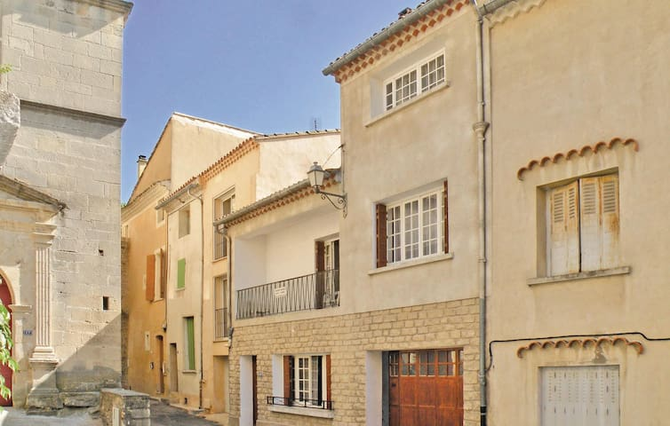 Terraced house with 3 bedrooms on 90m² in Malaucene