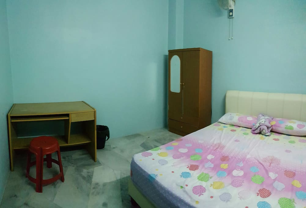 Room A - Bed room with good quality bed sheet, air-con and fan along!