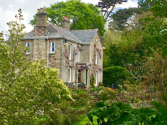 Cornish Country House by the Sea - Perranporth - Hus