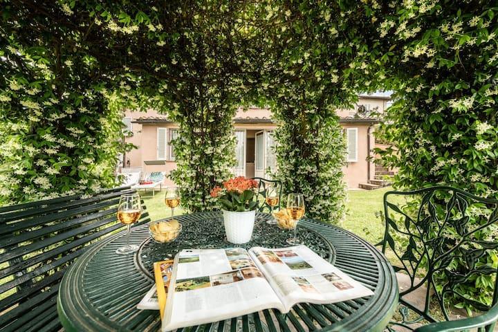 """Villa il Borghetto_""""DEPENDANCE / THE ANNEX"""""""