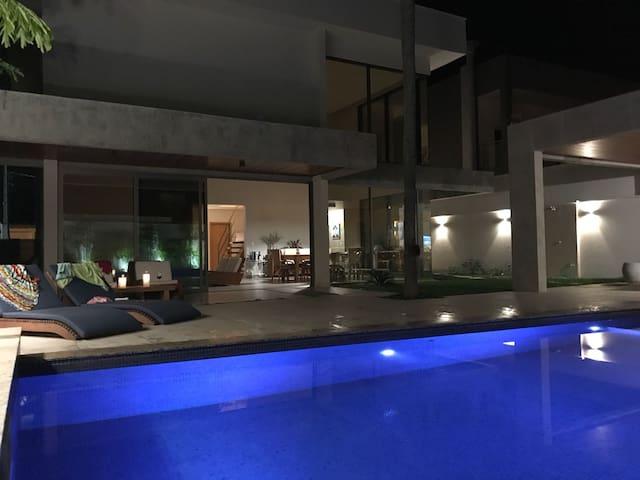 Casa do Mar - bonita, moderna e aconchegante!
