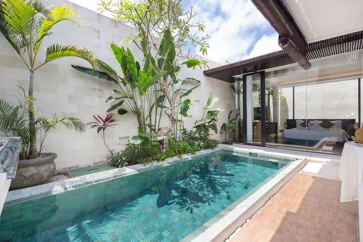 Romantic Private Villa for Honeymooner at Jimbaran
