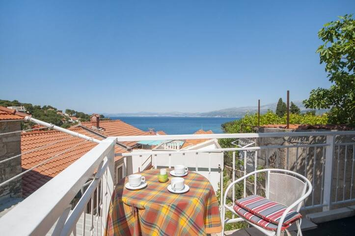 Apartments Mira -One Bedroom Apartment with Terrace and Sea View