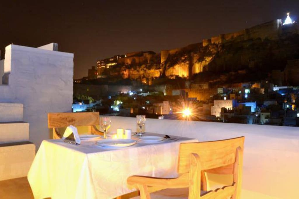 VIEW OF MEHRANGARH FORT AND DINNER WITH ROMANTIC CANDLE LIGHT
