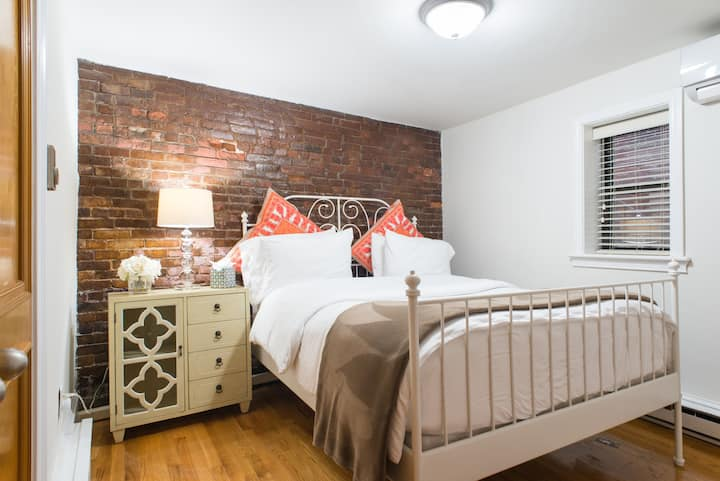 Large 2 BR | 1BA in the North End