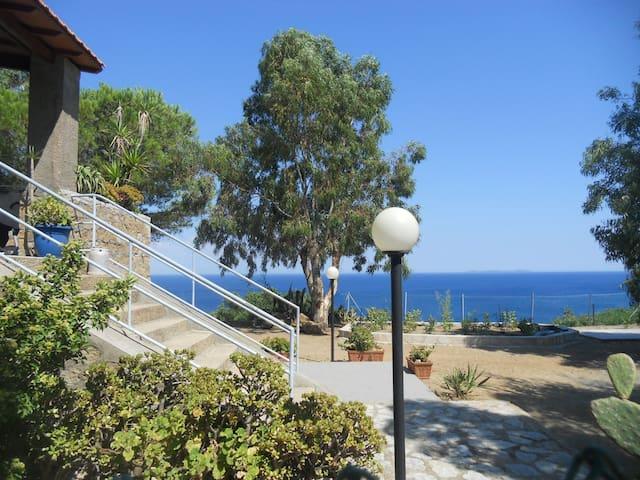 CASA VISTA MARE ampio giardino ISOLA DEL GIGLIO - Grosseto - Casa de vacances