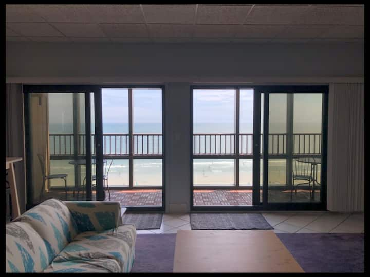 Penthouse - Oceanfront with pool at Regency Towers