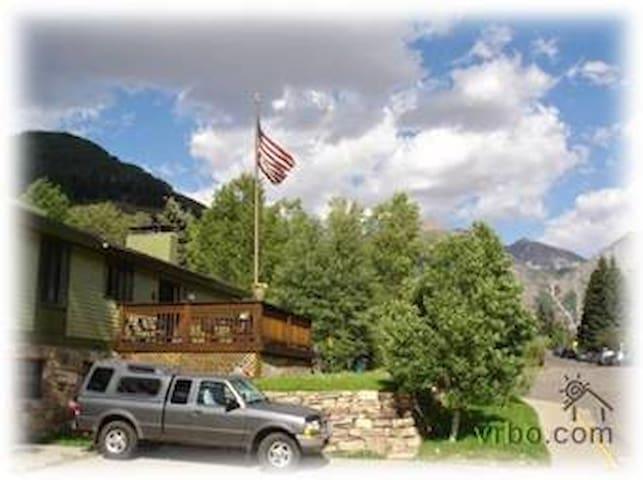 Rob Story Ski Lodge: Master Bedroom - Telluride - Maison de ville