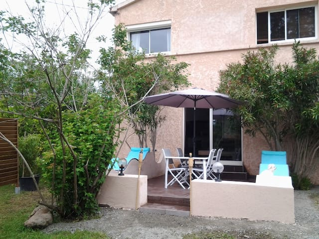 House - 8 km from the beach - Ghisonaccia - Hus