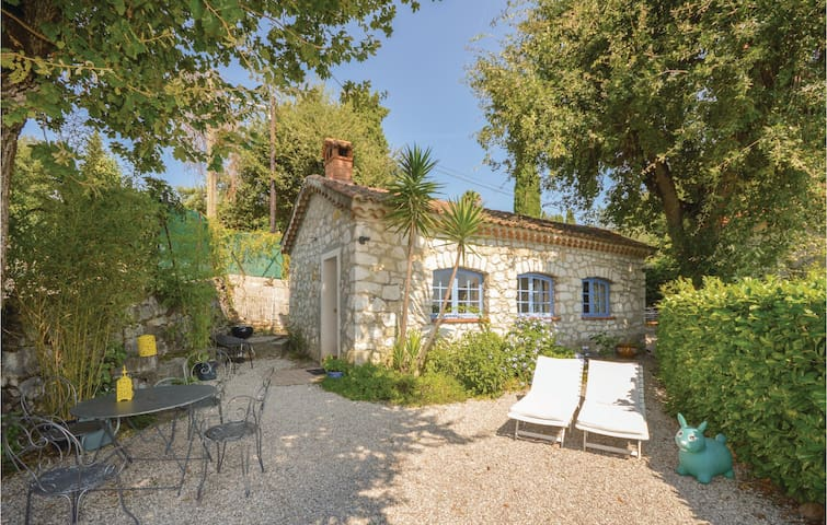 Holiday cottage with 1 bedroom on 50m² in La Gaude