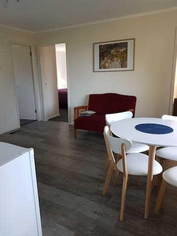 Self contained suite Cooma.